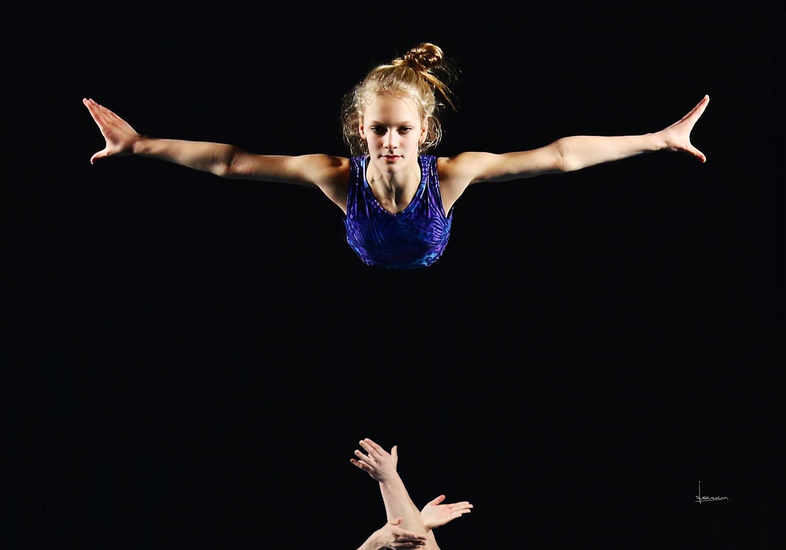 """Acrogym een niet zo heel bekende sport. Voor ons viel het ruim binnen """"dance & moves""""."""