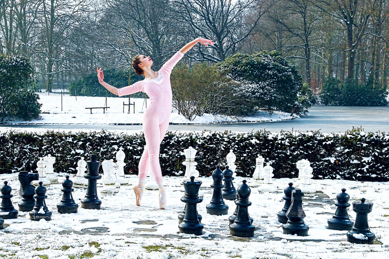 Koud, koud maar leuk en een prachtige serie met deze danseres.