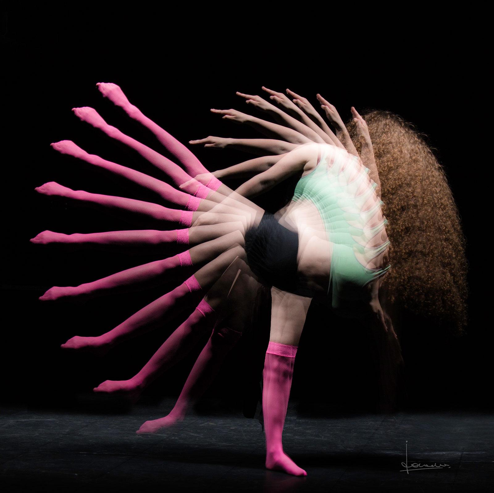 Voor deze foto met een danser de donkere kelder ingedoken.