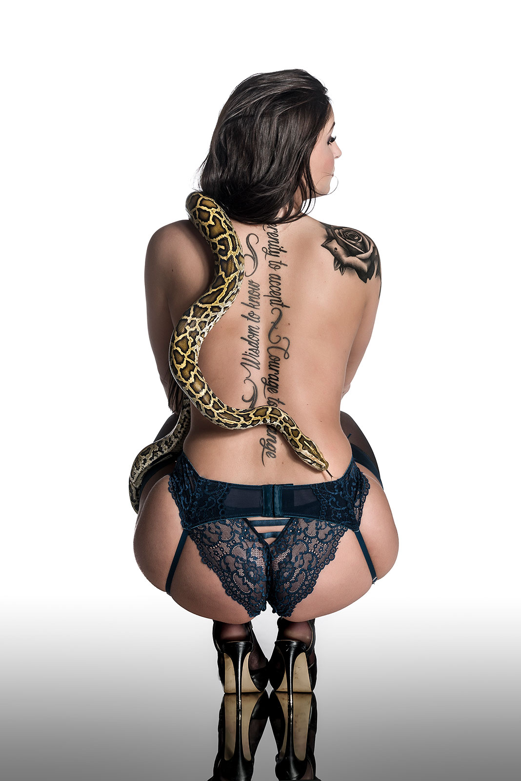 Shannon, deelneemster aan snakeshootevent