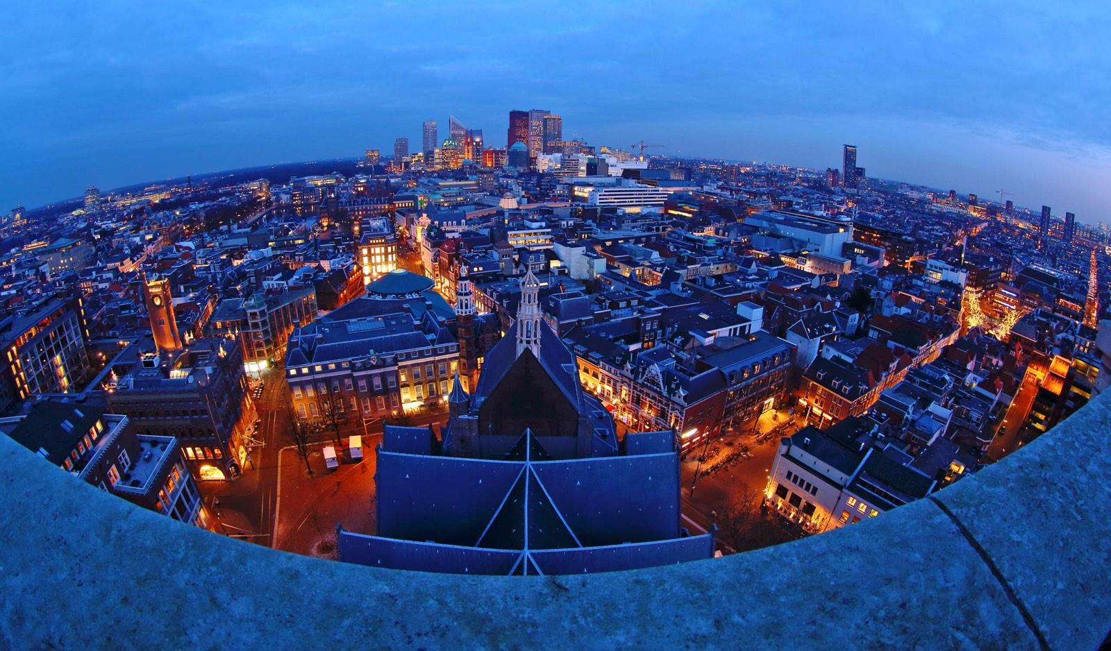 Skyline van Den Haag gezien vanuit de Haagse Toren