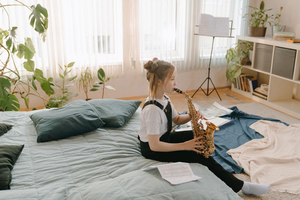 Çocuklar için müzik aletleri ve çocuklar için enstrümanlar olarak derlediğimiz listemizde, çocuk müzik eğitim ile alakalı çok değerli bilgilere erişecek ve çocuğunuzun müzik eğitimi ile alakalı doğru yönlendirmeler yapmak için aydınlanacaksınız.