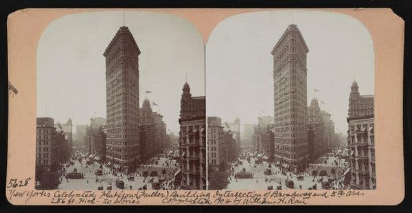 The Flatiron Building, presently 285 feet tall, in Manhattan in 1904.