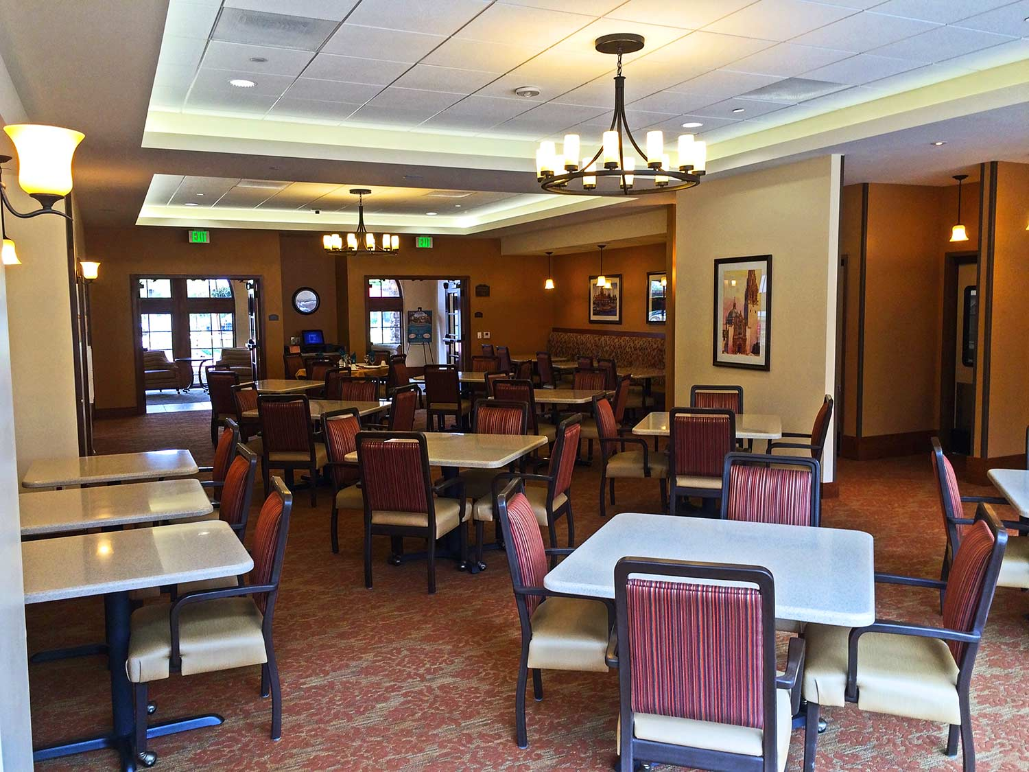 St. Paul's Plaza interior dining room