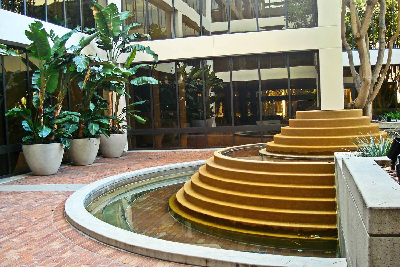 La Jolla Gateway water fountain