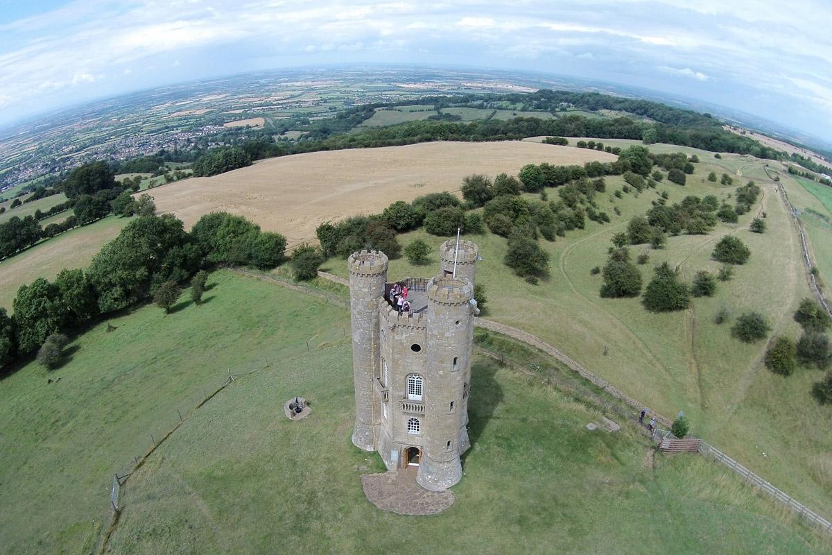 dronefoto van groen landschap