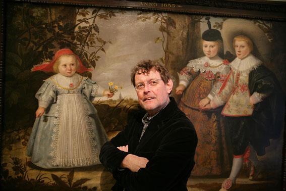 foto van Vincent Mentzel voor schilderij in Rijksmuseum