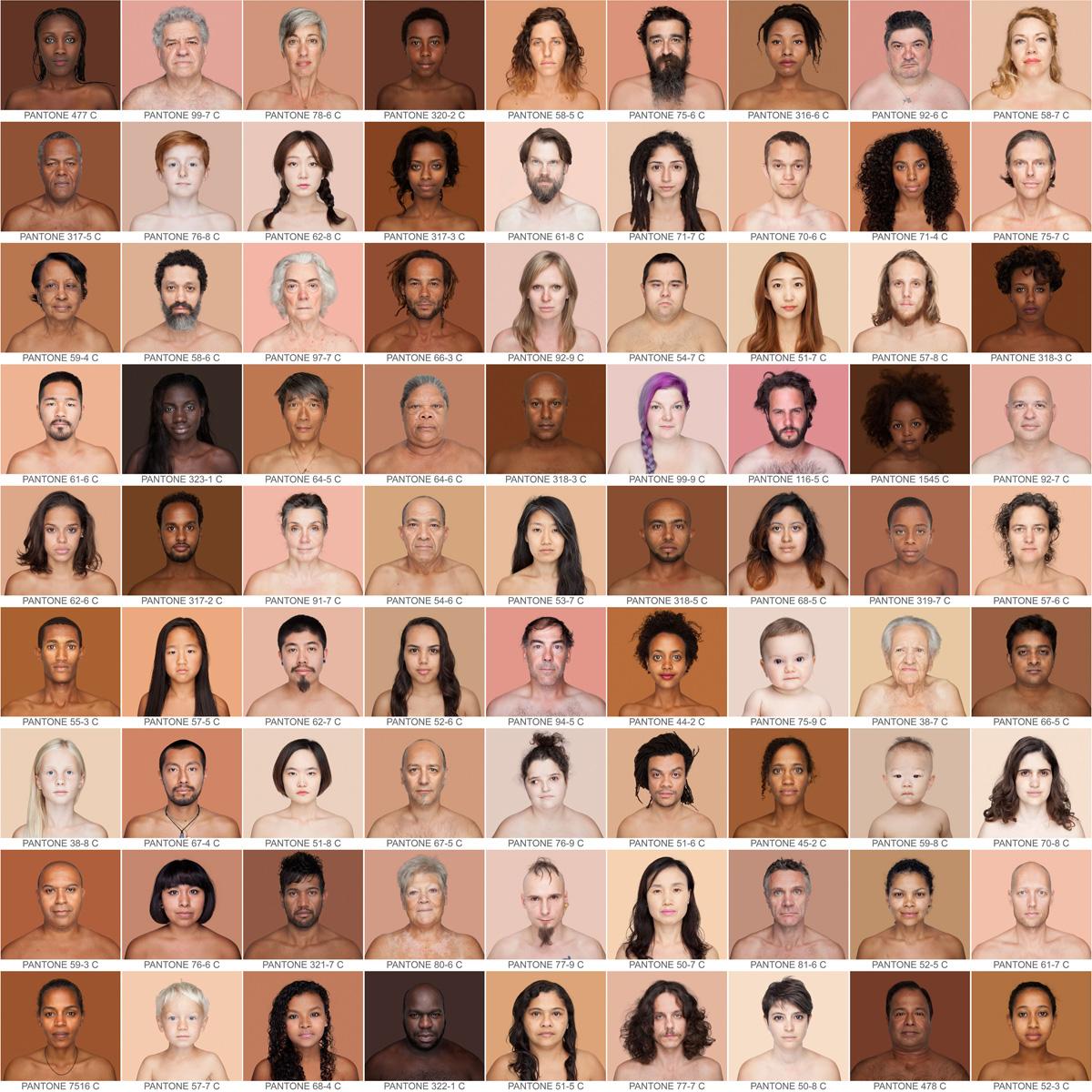 foto: Humanae / Angélica Dass, een mozaïek van portretten in sepia