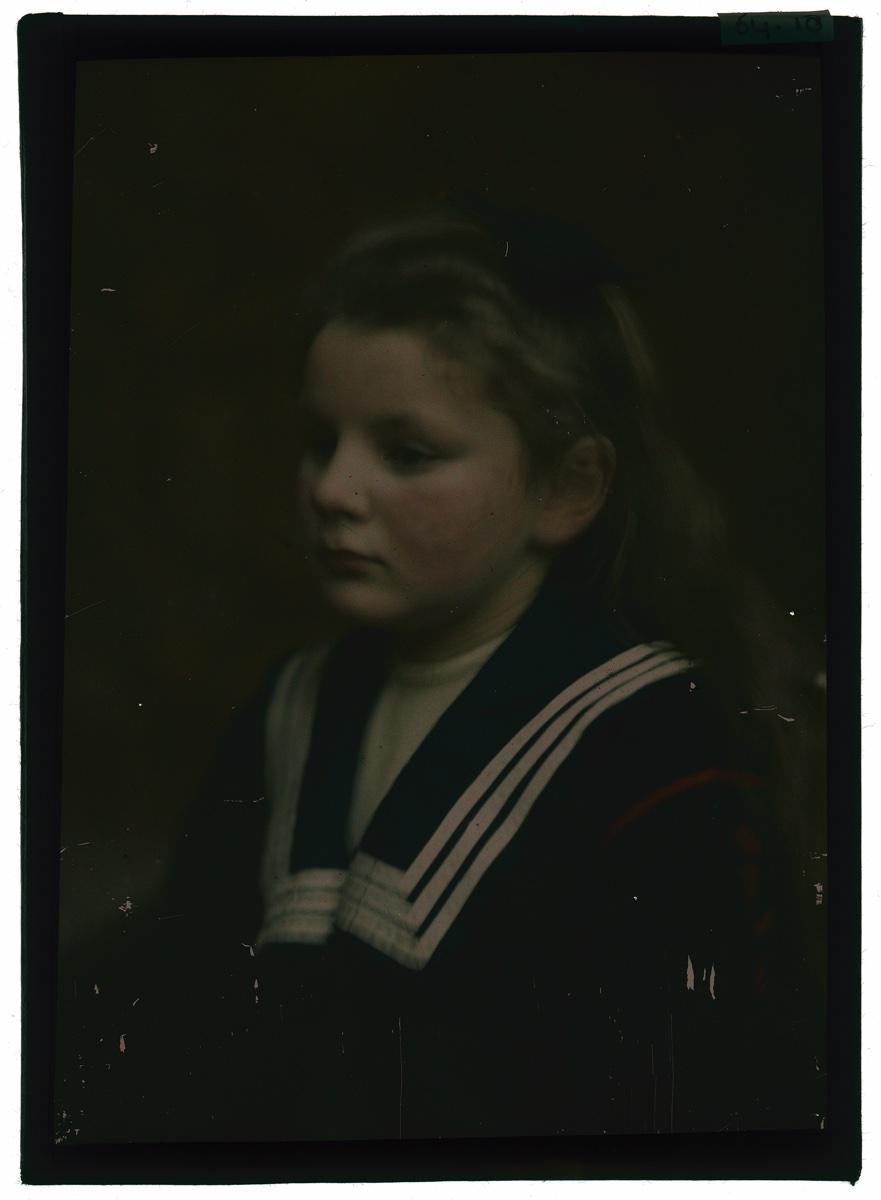foto: Berend Zweers (1872-1946) - een meisje portret