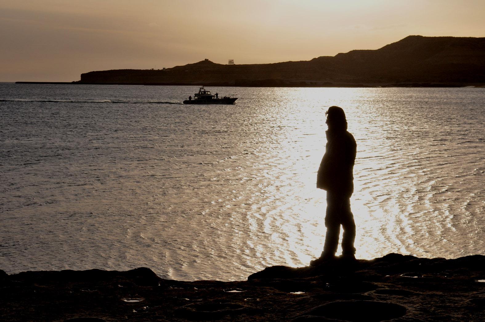 foto: © Tom van der Leij | De haven bij Puerto Pyramides vormt het centrum van de whalewatching