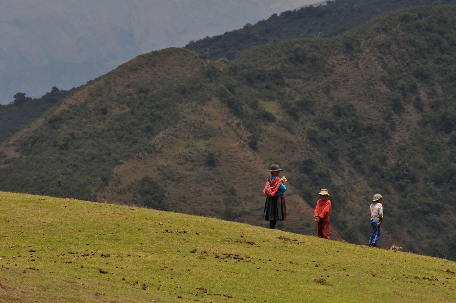 foto van drie mensen op Salkantaygebergte
