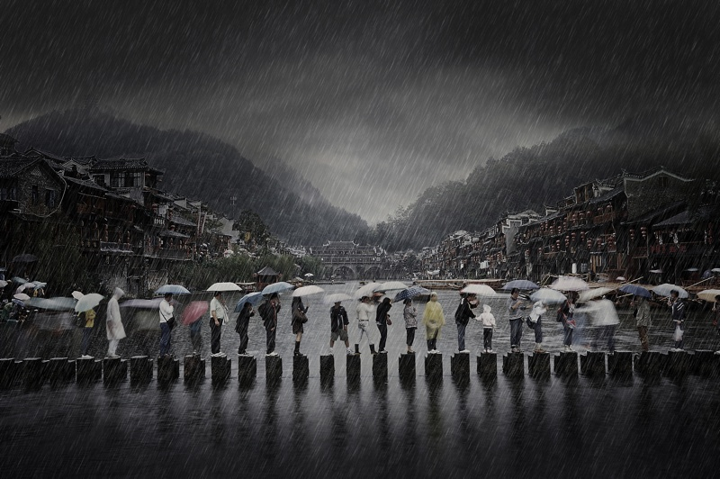 Rain in an Ancient Town | foto: © Chen Li, China Winner Open Travel 2014 Sony World Photography Awards
