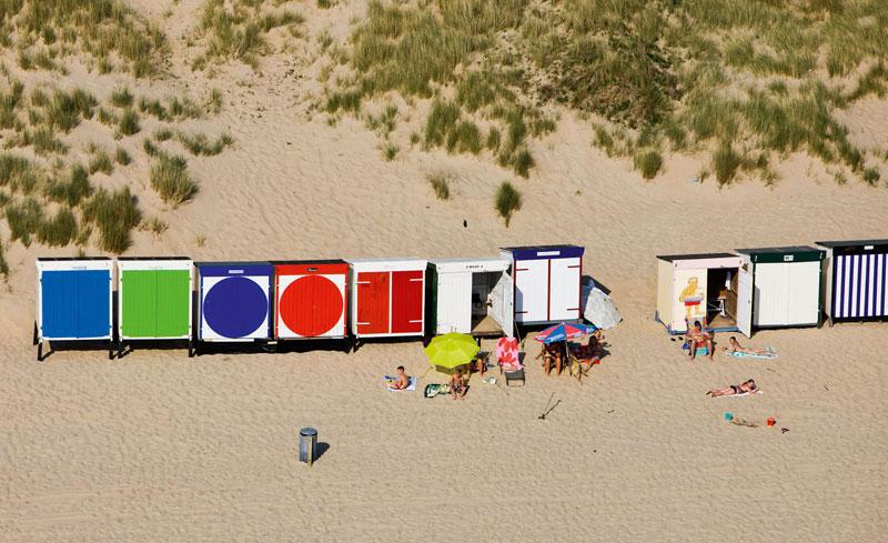 De bovenkant van Nederland IV- Karel Tomeï, ISBN: 9789055948178, strandhuisjes
