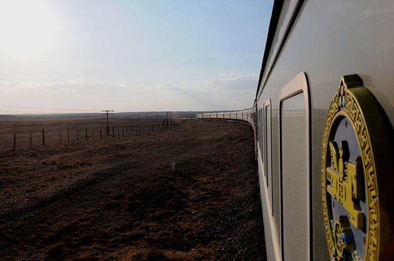 © Tom van der Leij | Mongolië, vanuit trein door Gobi