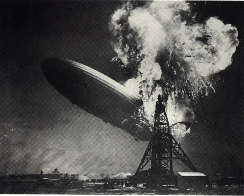 De ramp met de Hindenburg door Sam Shere