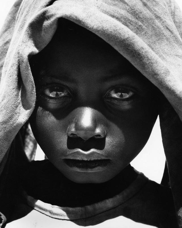 foto Sander Veeneman, jong Mozambikaans meisje