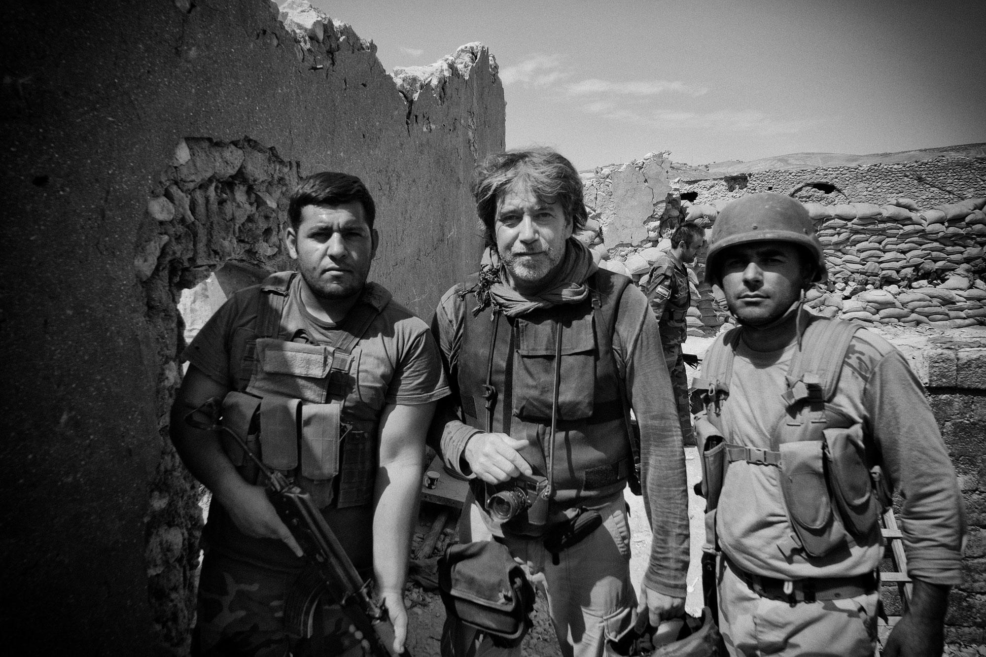 foto: © Eddy van Wessel - drie soldaten in Oosten