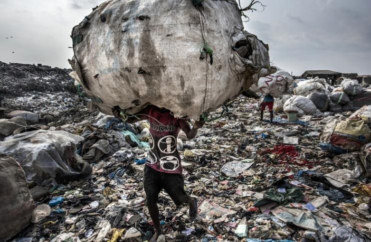 foto: © Kadir van Lohuizen - Wasteland, Lagos