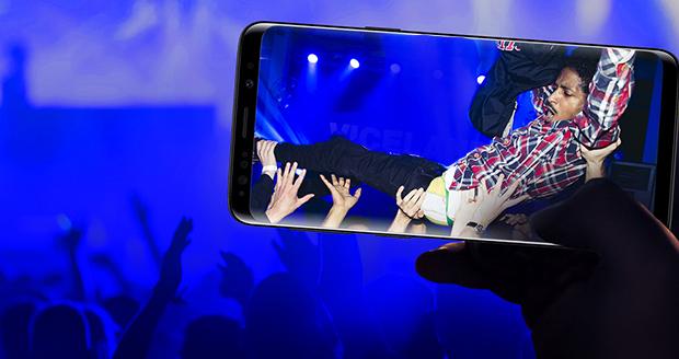 iPhone maakt foto op dansevent