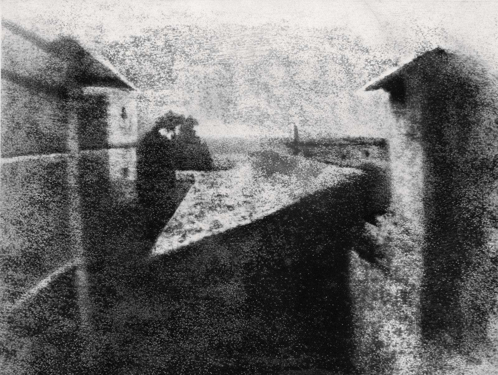 p. 190 Uitzicht uit het raam in Le Gras, Nicéphore Niépce, 1826-1827, heliografie GettyImages 2673939