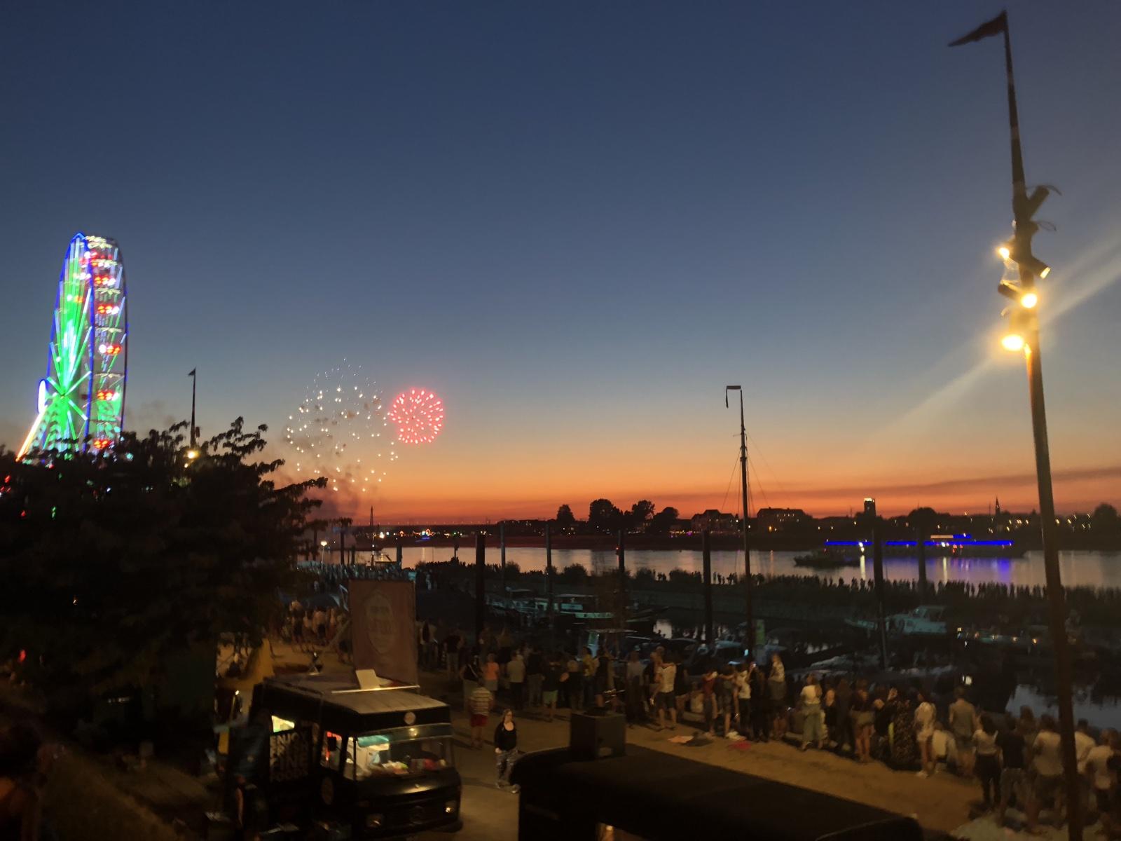 avondfotografie strand en vuurwerk