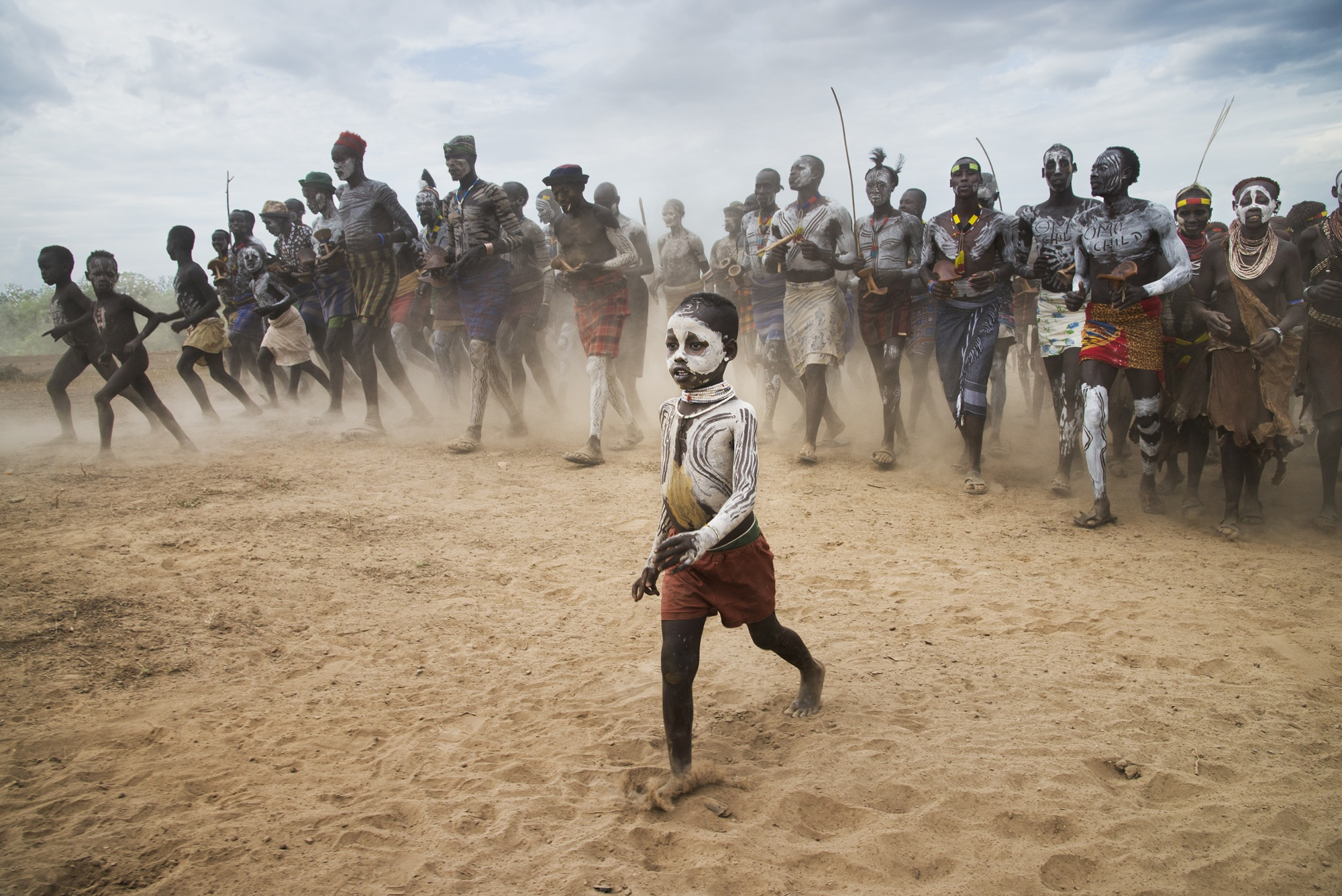 foto: © Steve McCurry - p. 348 UNSEEN Omo Valley, Ethiopia, 2012