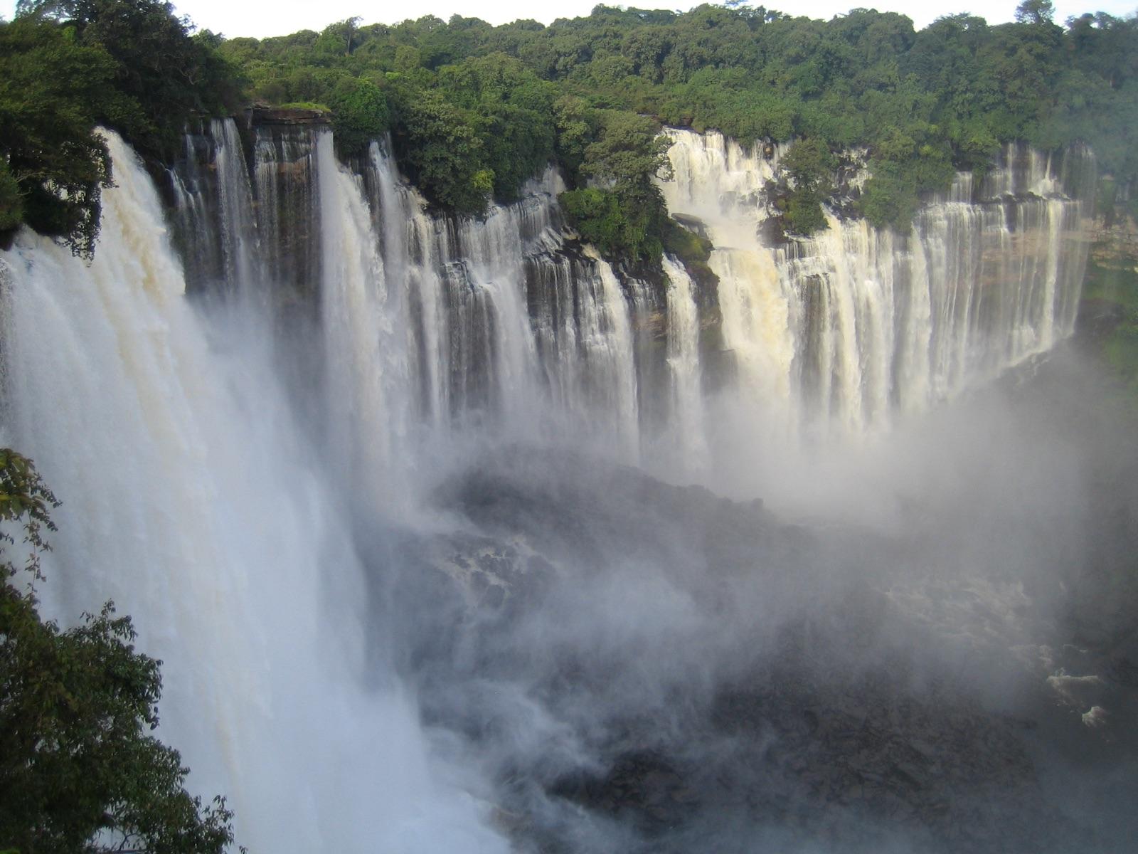 foto van Kalandula waterval