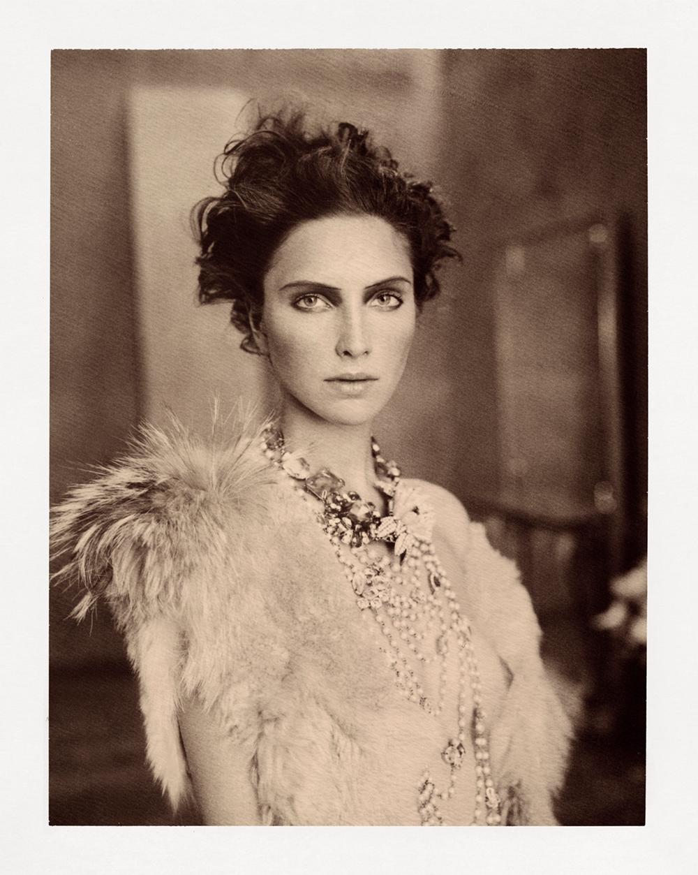 polaroidfoto van Marc Lagrange uit boek Chocolate, portret van vrouw getiteld Valerie