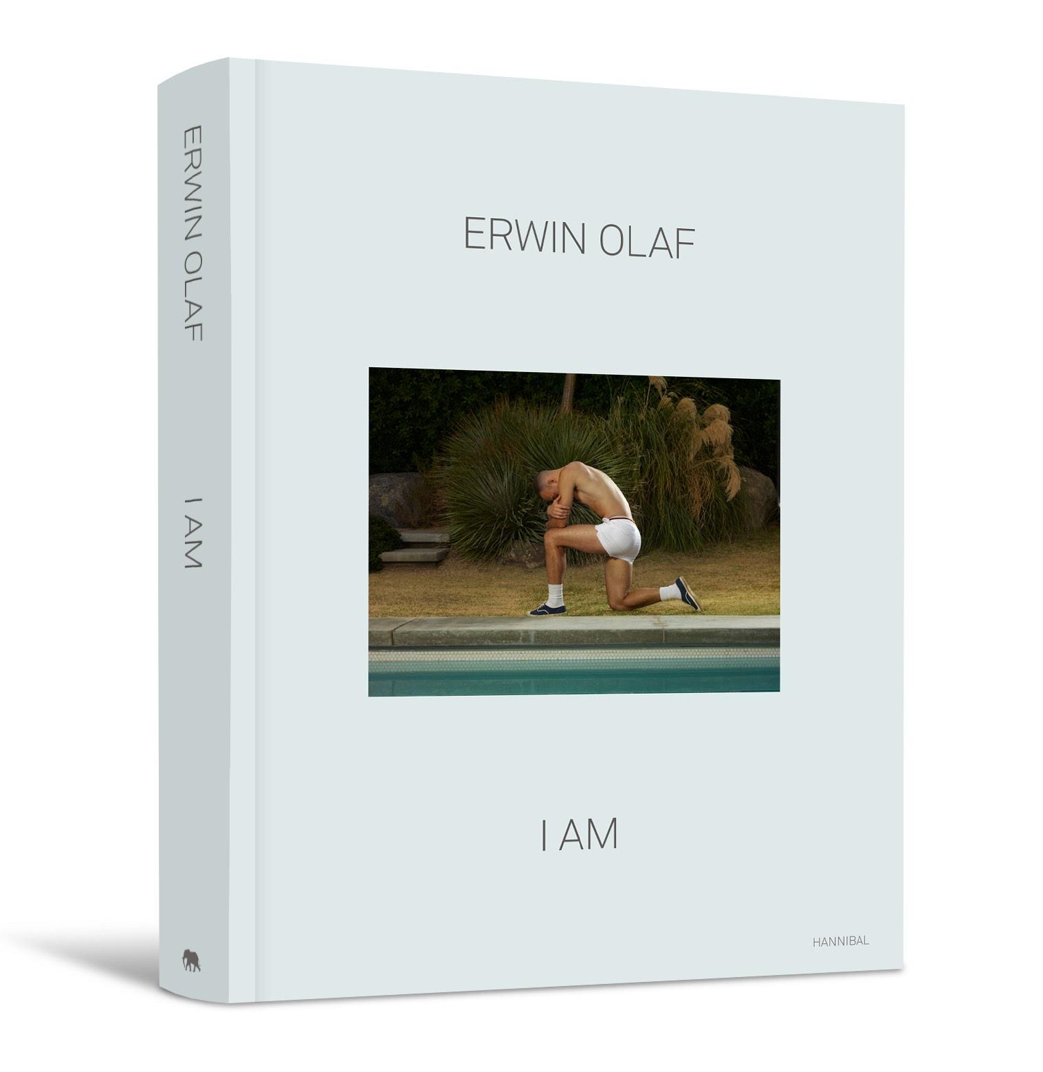 Ultiem overzichtsboek van Erwin Olaf, een van Europa's belangrijkste fotografen: Erwin Olaf - I AM,
