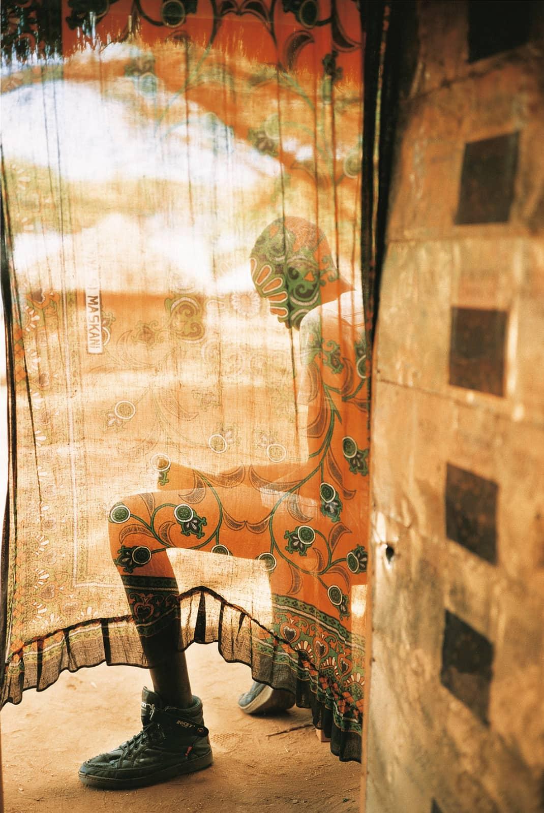 foto: © Robert Lyons, uit de serie Another Africa festival, De Hof van Eden