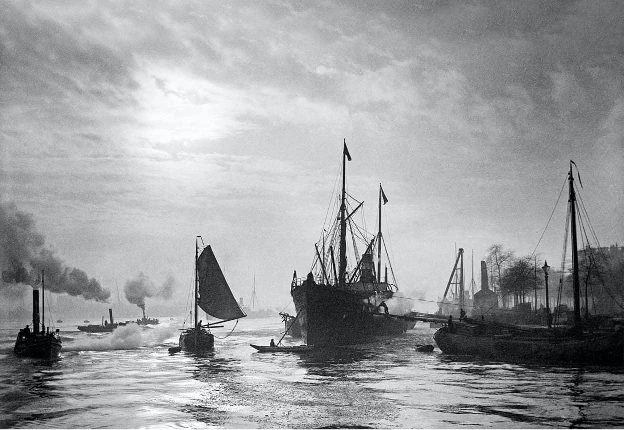 Emil Mögle - Fotograaf te Rotterdam 1885-1910, uitgegeven door Diafragma, isbn 9789490631123, foto van zeilschepen