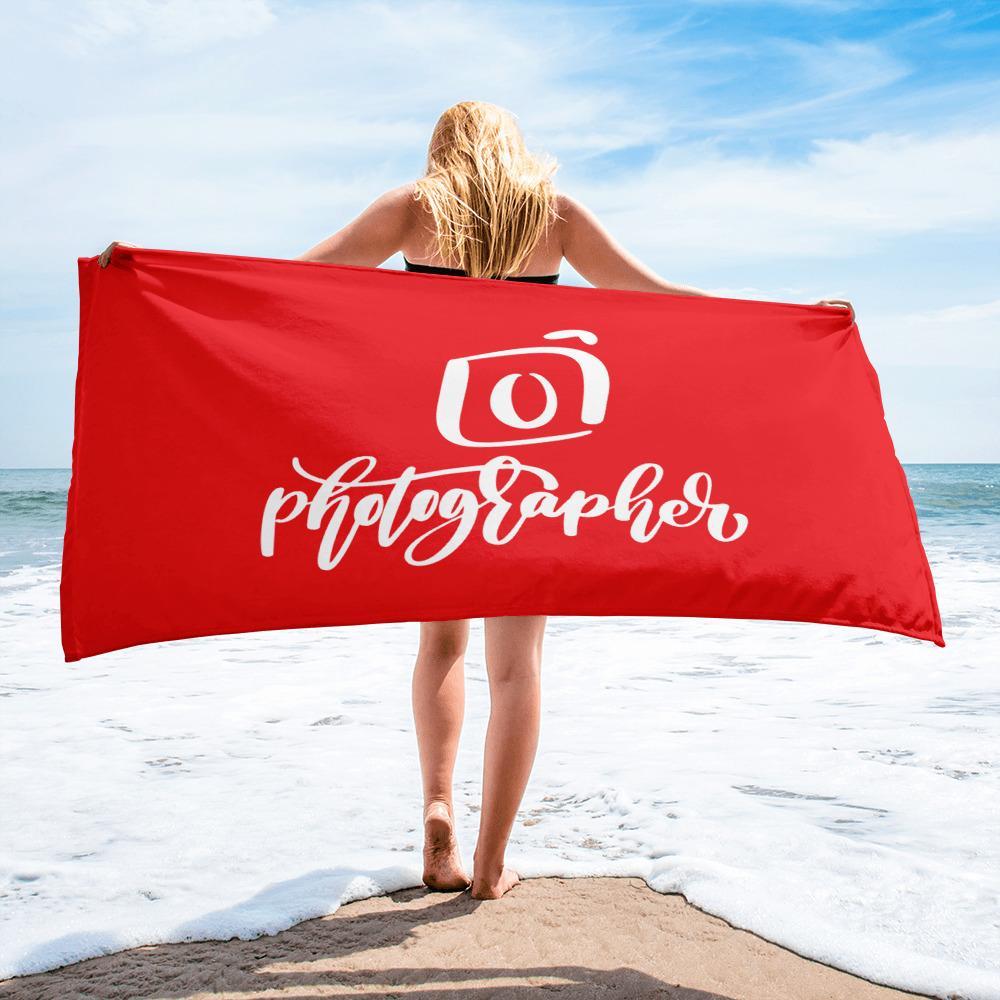 Fotografie badlaken cadeau: rood badlaken bedrukt met camera en tekst Photographer