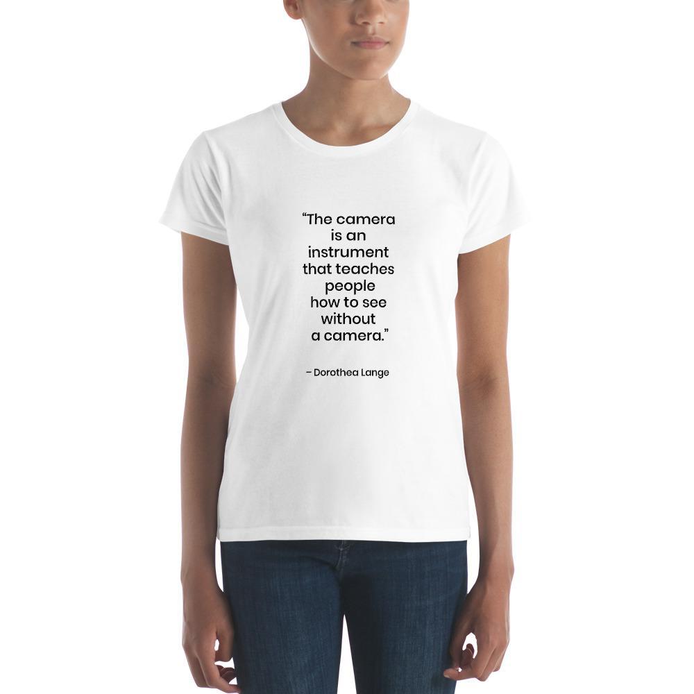Fotografie cadeau: T-shirt met korte mouwen bedrukt met tekst Dorothea Lange