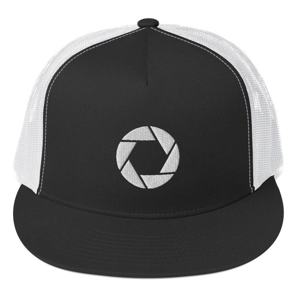 Fotografie cadeau: Trucker cap met geborduurd camera sluiter symbool