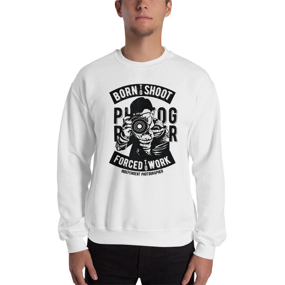 Fotografie cadeau: wit sweatshirt met tekst Born to Shoot voor fotograferende man