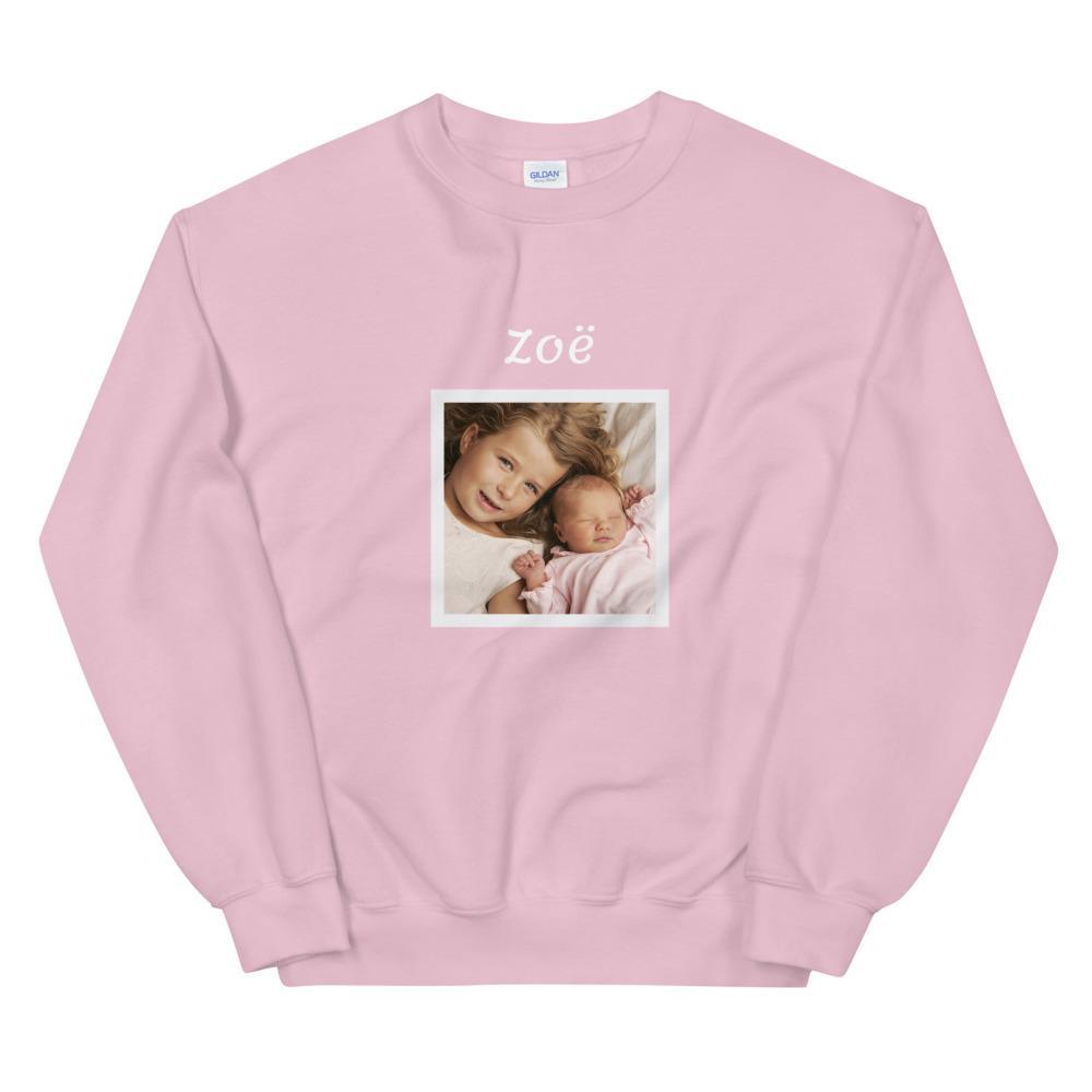 Sweater met foto cadeau: Eigen baby foto met wit kader en een naam erboven - Sweater, unisex