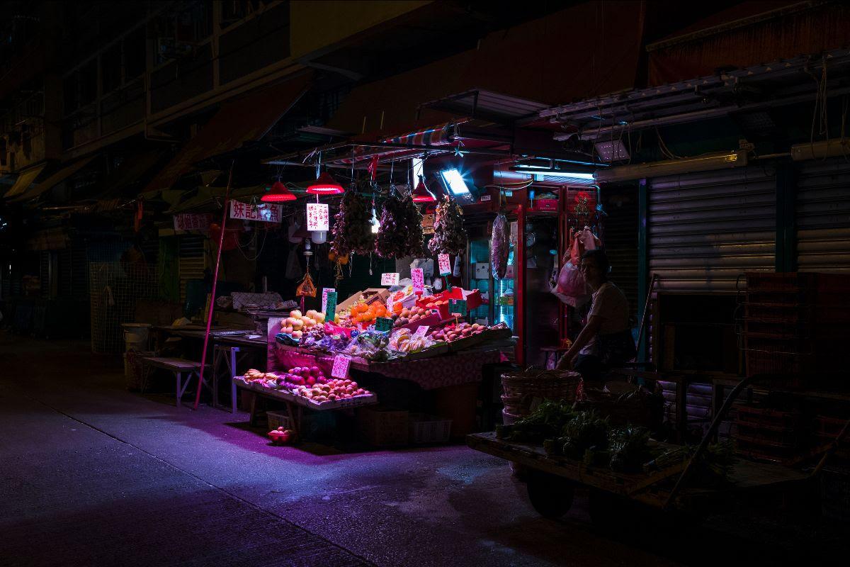 foto: © Ka-Ho Pang/Gallery WM - Invisible, marktkraam Hong Kong