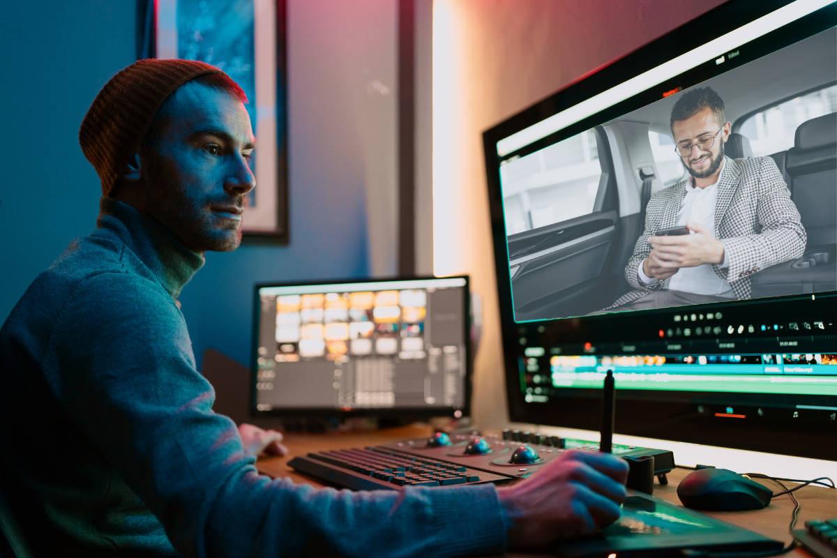 video editor aan het werk