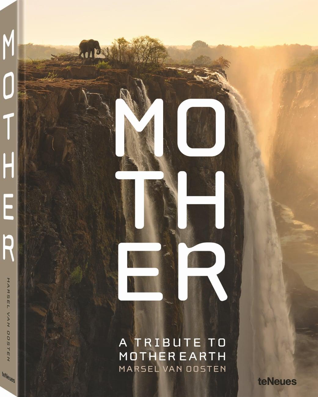 Fotoboek: Mother - A Tribute to Mother Earth van Marsel van Oosten,