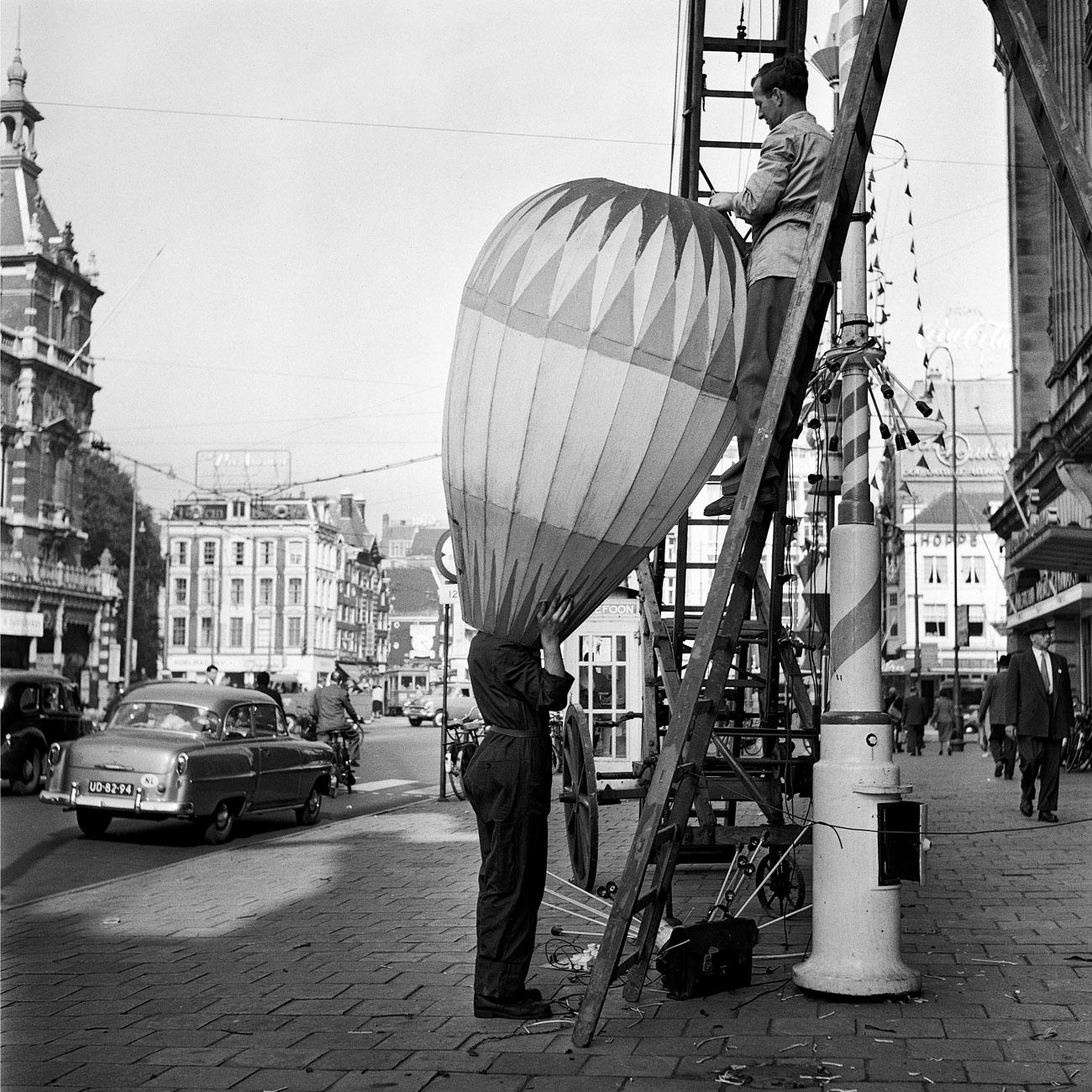 Maria Austria - Feestverlichting Leidseplein, 1956