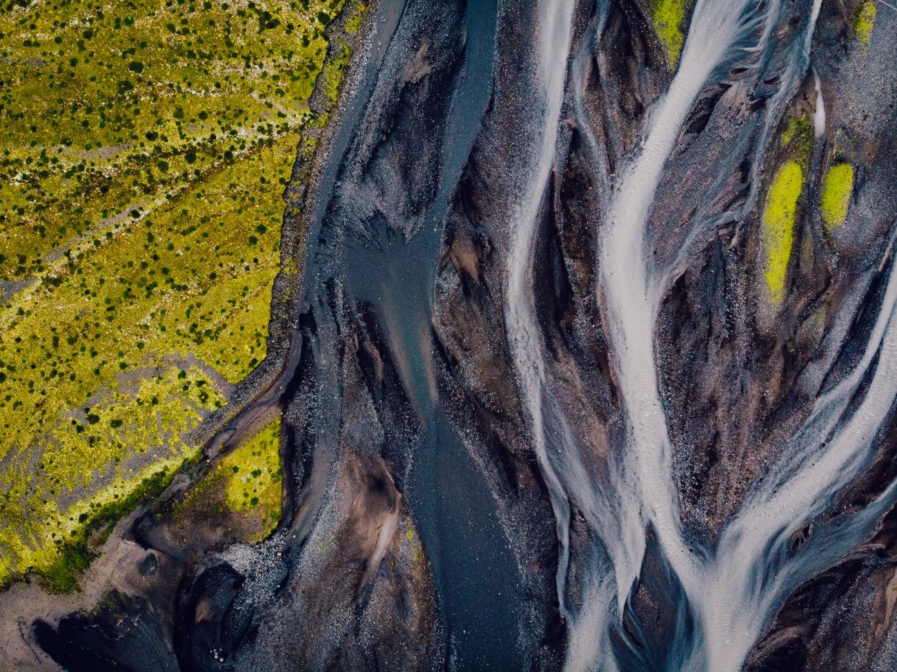 rivier IJsland drone view