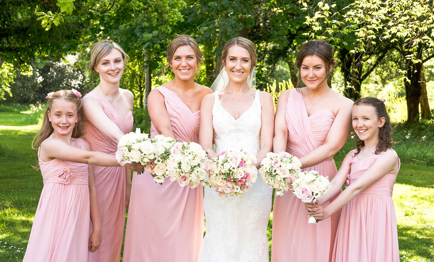 Bride on her own with bridesmaids and flower girls, how long to plan for group photographs