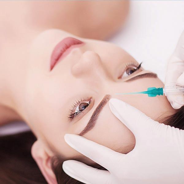 Die Kombination der hochaktiven Wirkstoffe eignet sich als ein eigenständiges Produkt oder als eine verjüngende Behandlung und kann zusätzlich zu Anwendungen mit apparativer Kosmetik, wie JetPeel, Microneedling oder Ultratherapie eingesetzt werden.