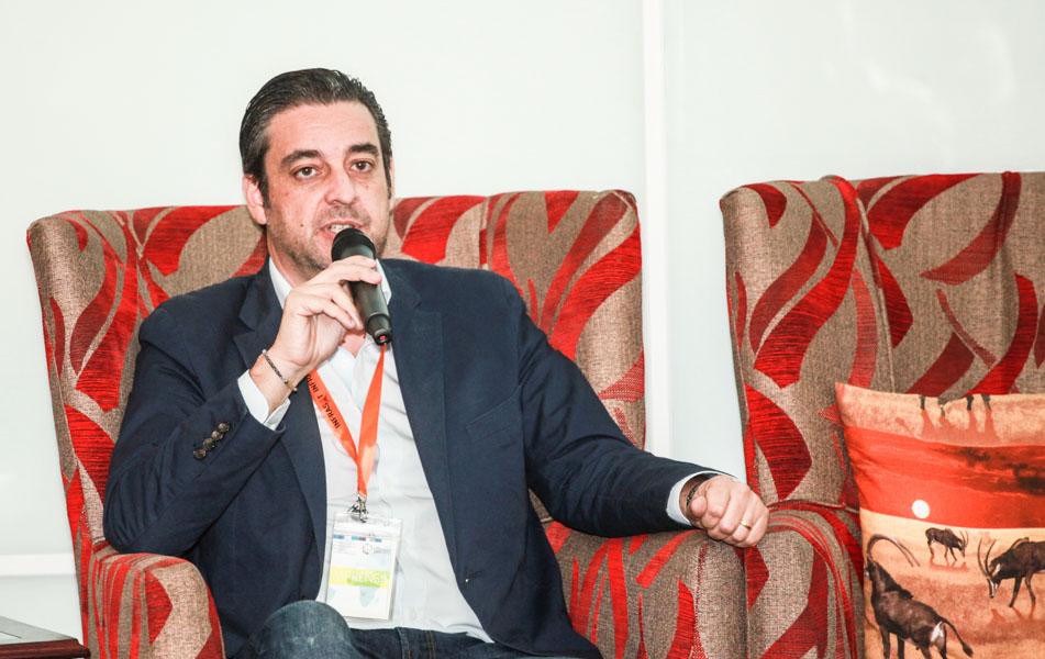 """""""Temos que educar as crianças de modo a serem futuras empreendedoras"""", afirma empresário Vitor  Carmona"""