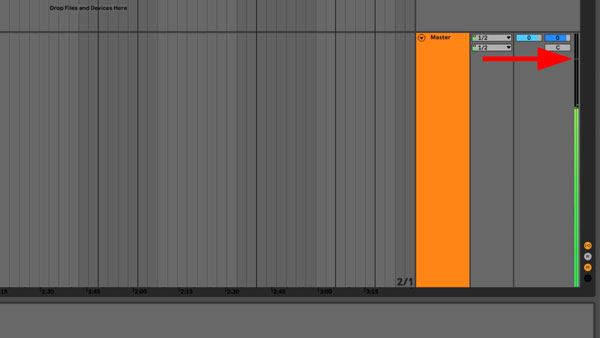 An image of the transients of the project (green vertical bar) not reaching the 0 decibel maximum of Ableton (red arrow).
