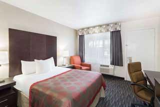 1 queen ramada monterey hotel