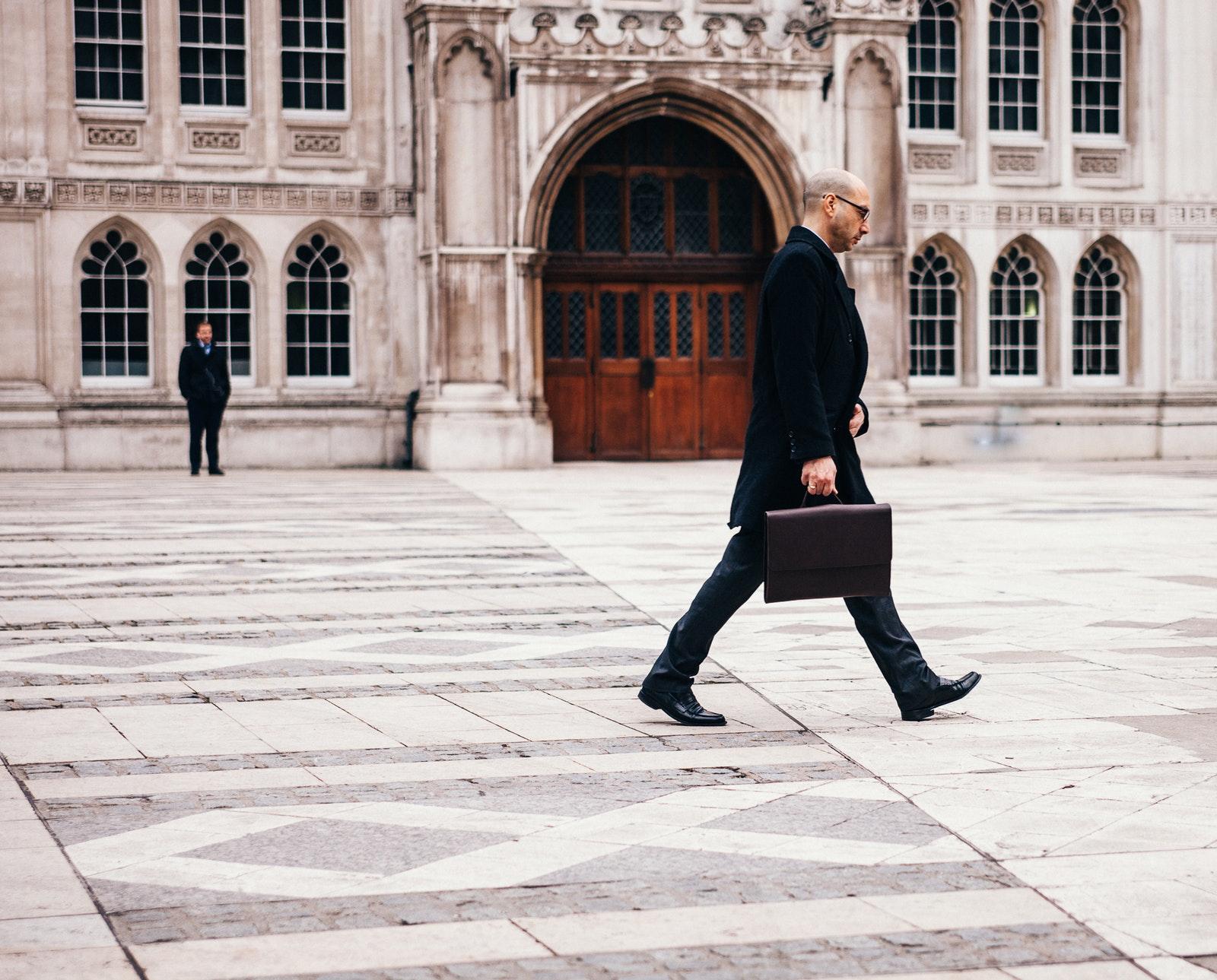 """Die Betriebsrente """"to go"""": Umzug der bAV beim Arbeitgeberwechsel"""