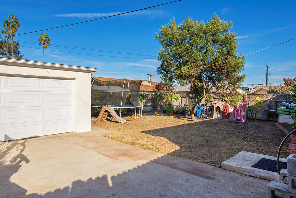 3820 John St, San Diego, CA 92106