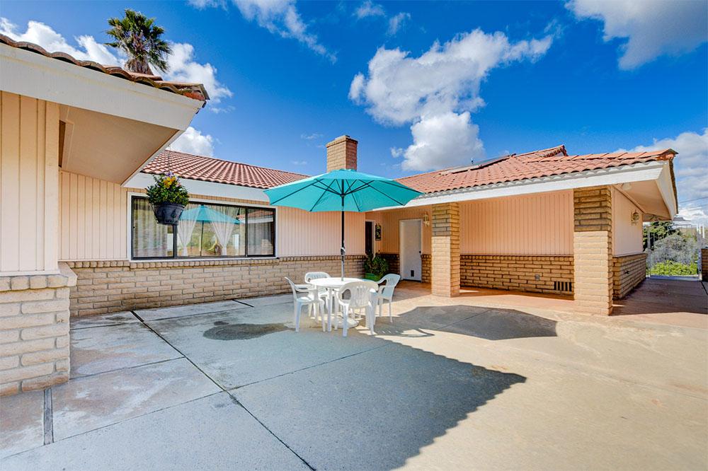 1363 Douglas Dr, Vista, CA 92084