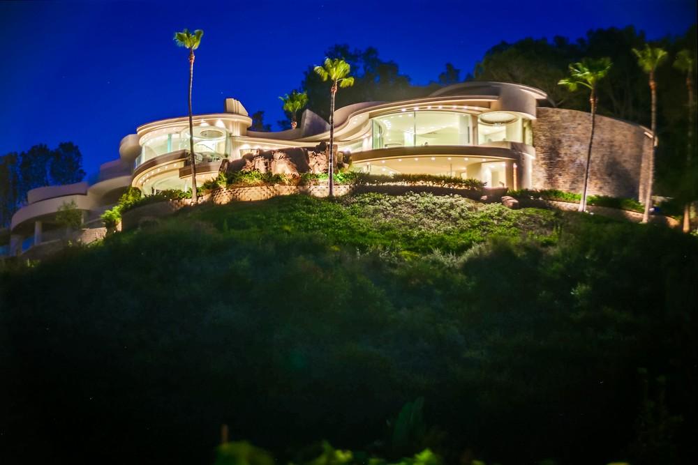 7455 Hillside Dr, La Jolla, CA 92037